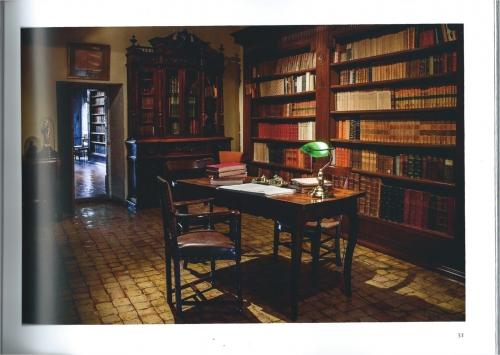 bureau chateau de Lourmarin.jpg