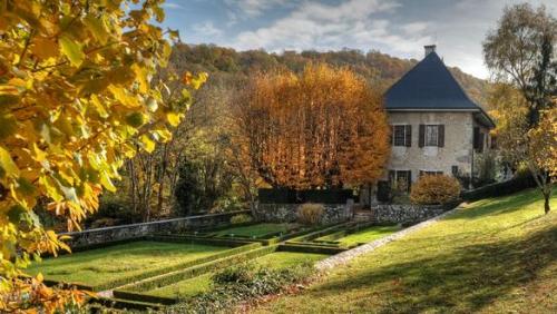Maison-des-Charmettes-Jean-Jacques-Rousseau.jpg