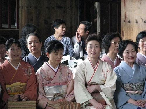 b1f27_femmes_japonaises_en_2502983931_5631c6aece.jpg
