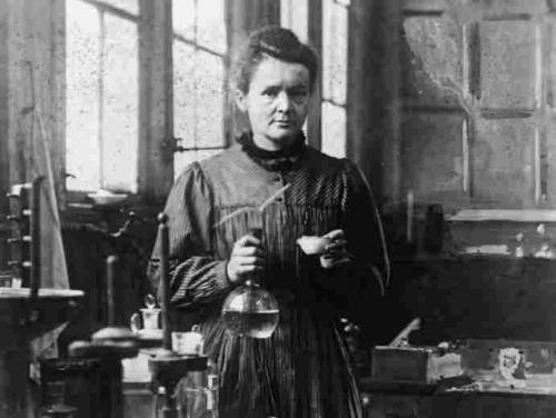 Madame Curie-8b1e1fde10c1373230bab21eceeae2ed00701efe-s1100-c15.jpg