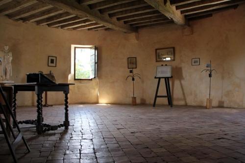 Bureau-de-Montaigne_1580-R.jpg