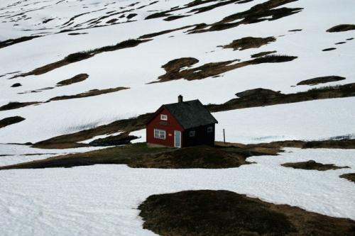petite-maison-immeubles-maisons-c38bc0T650.jpg