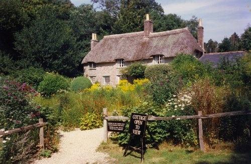 Thomas-Hardy-cottage--Dorset-by-Carol-Munro-qpps_534601419102616.LG.jpg