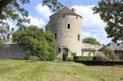 chateau-michel-de-montaigne--1-.jpg