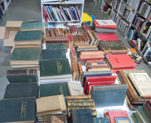 emmaus44_Trignac_salle-des-ventes-_livres-anciens1.jpg