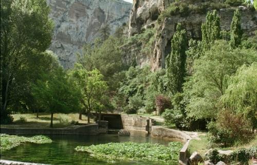 la rivière de Pétrarque.jpg