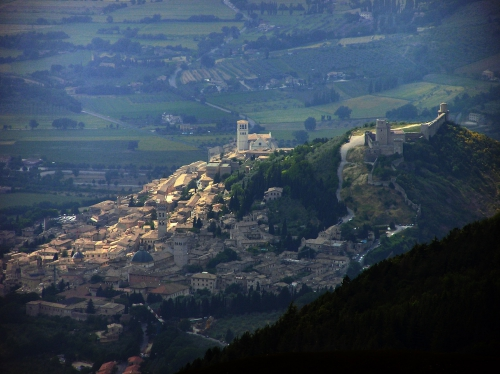 assisi_from_m_subasio.jpg