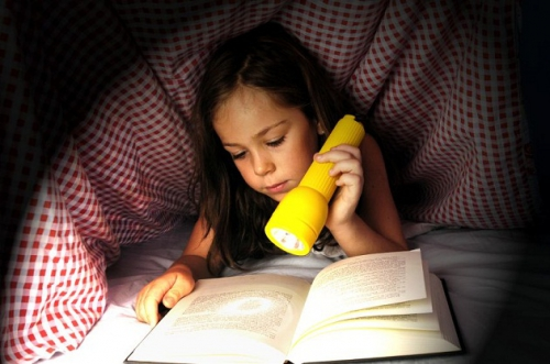 reading-girl-flashlight.jpg