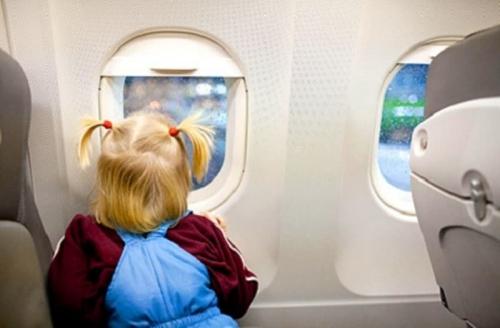 enfant-non-accompagne-en-avion-guide.jpg