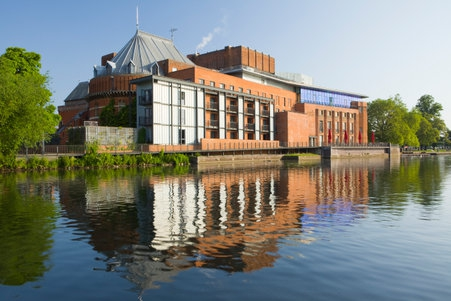 The_Royal_Shakespeare_Theatre_and_The_Swan_Theatre_on_the_River_Avon._View_of_both_theatre_001.jpg