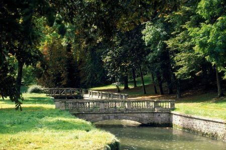 parc-jean-jacques-rousseau-a-ermenonville_large.jpg
