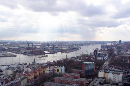 !Hamburg-Hafen-Elbe4.jpg