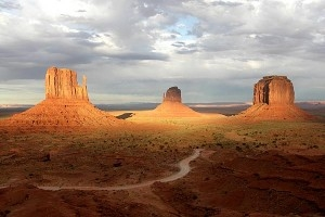 monument-valley-1-300x200.jpg