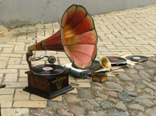 vieux-gramophone_2960338.jpg